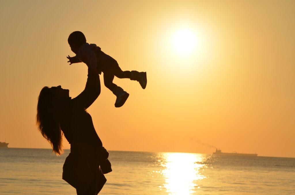 Mãe durante a licença maternidade