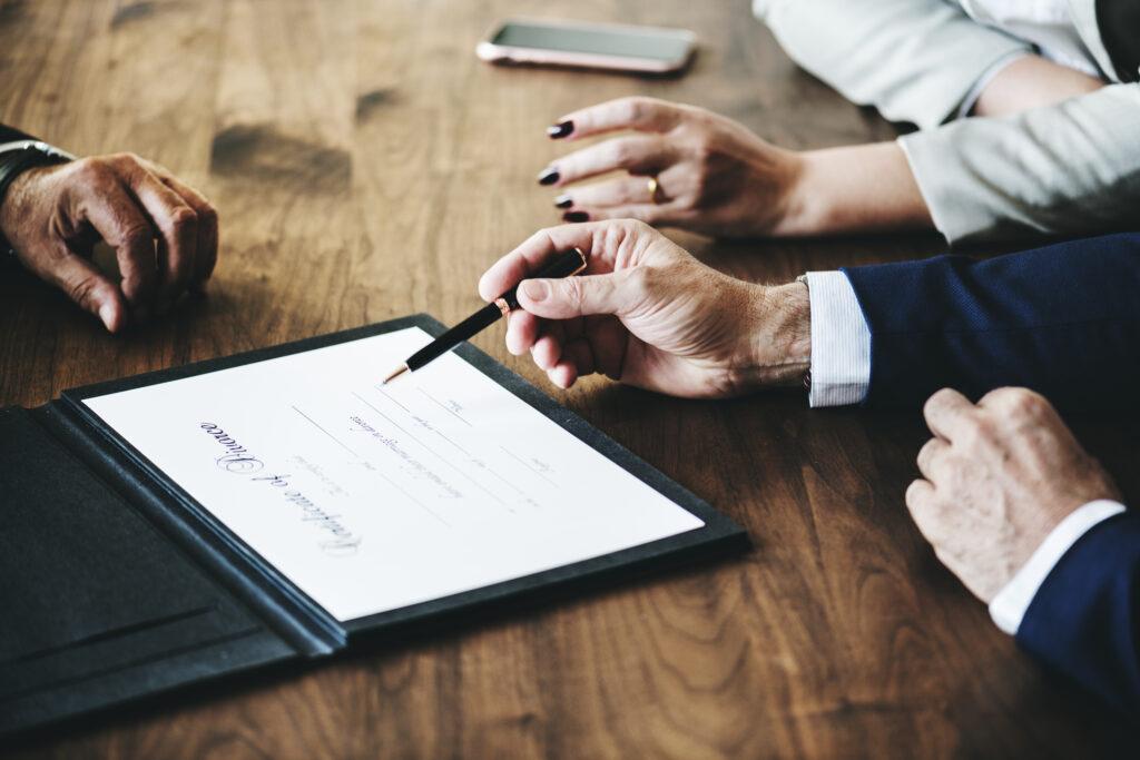 Reunidos para o acordo de divórcio extrajudicial