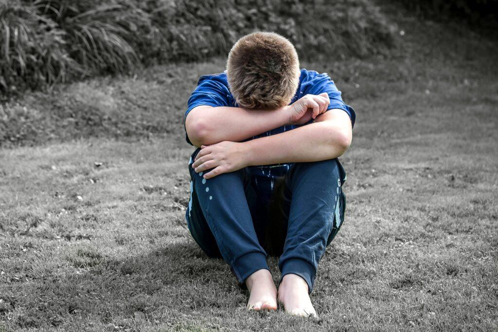 Criança infeliz por alienação parental