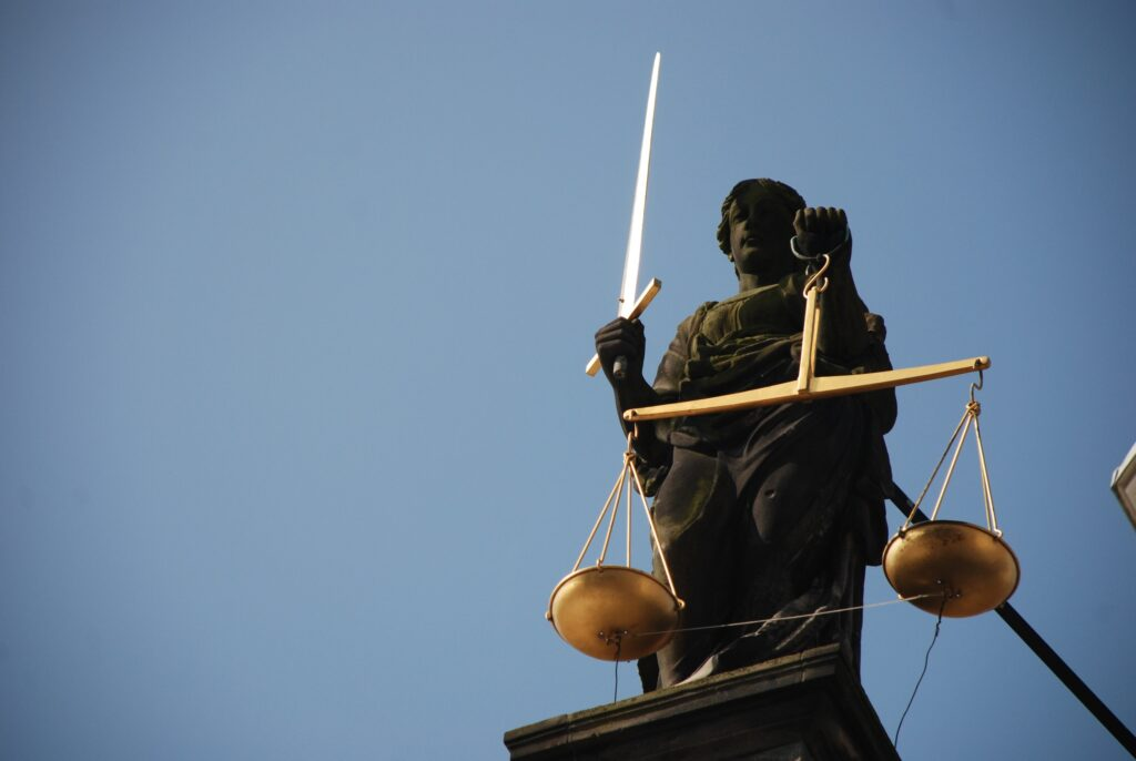 Juízo da Vara da Infância e Juventude em Guarda de Filhos